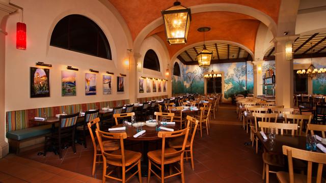 Italian Restaurant Near Me: Via Napoli At EPCOT: A Review